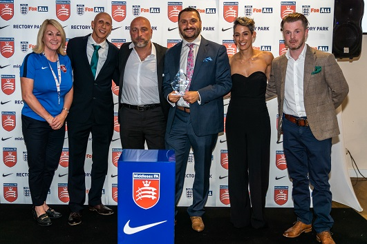 Club wins Middlesex FA 'Respect – We Only Do Positive' award